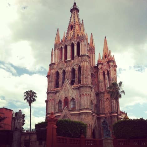 Leslie Patrick appears on House Hunters International in San Miguel de Allende Mexico